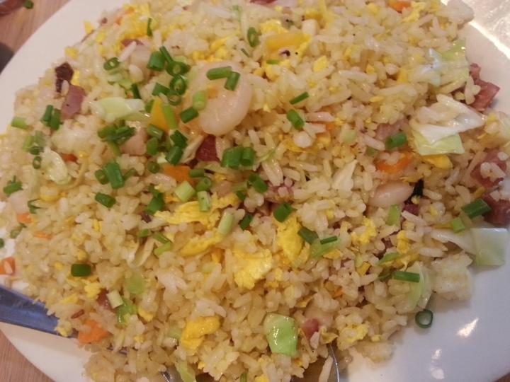 Yang Chao Rice : kanin pa lang, ulam na